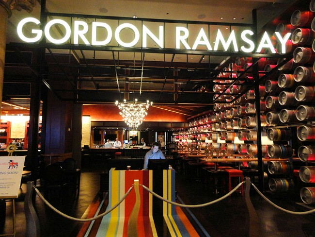 Gordon Ramsay Pub and Grill, Caesar's Palace Hotel and Casino, Las Vegas, Nevada.  Photo credit:  Wikimedia Commons/Jim G from Silicon Valley, CA