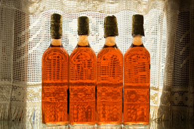 Apple Cider Vinegar: Kitchen Cupboard Beauty Tips
