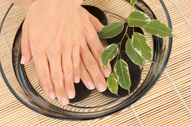 Natural Tips for Pretty Nails