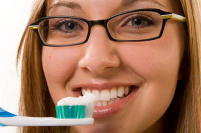 Keep Your Teeth and Gums Beautiful, Naturally