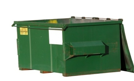 Dumpster Diving Decorating: Green or Gross?