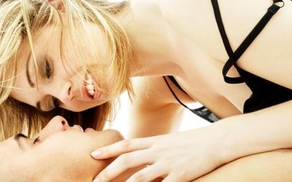 Amber Heard s Red Lipstick Look Screams Sex Appeal   Lipsticks     Business Insider Shutterstock ID