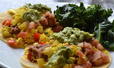 Healthy, Vegan 'Tofuevos Rancheros'