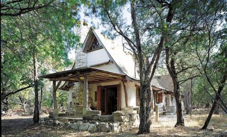 Texas Hobbit House: A Small, Handmade Treasure