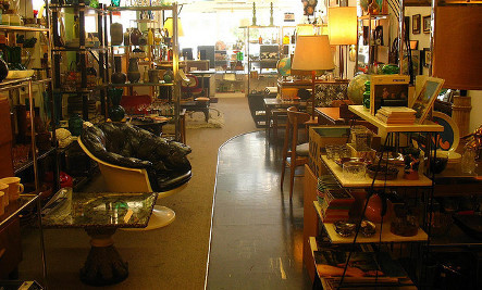Sustainable Shopping in San Carlos