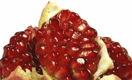 8 Great Ways to Enjoy a Pomegranate