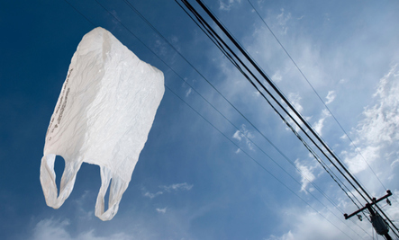 Paper or…? Plastic Bags Get Thrown Out in L.A.
