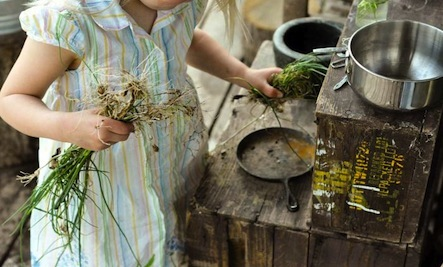 Outdoor Fun: Mud Pie Kitchens