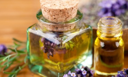 8 Safe & Easy Ways to Use Aromatherapy at Home