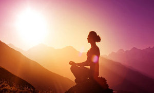 Meditation Boosts Mood, Eases Pain & Stress