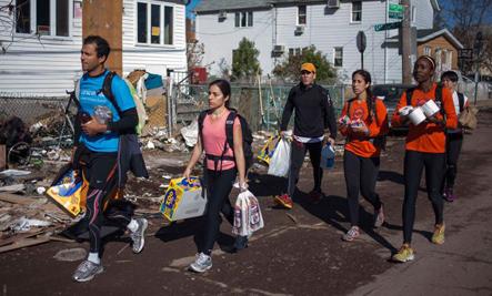 NYC Marathoners Help With Hurricane Sandy Relief