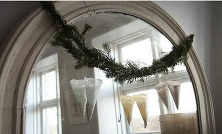 4 Easy & Instant Holiday Decorations