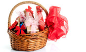 8 DIY Holiday Gift Baskets