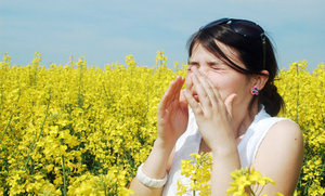 10 Safe and Natural Ways to Beat Allergies