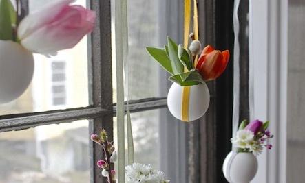 DIY Hanging Easter Posies in Egg Shells