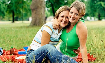 10 Places To Meet LGBT Singles