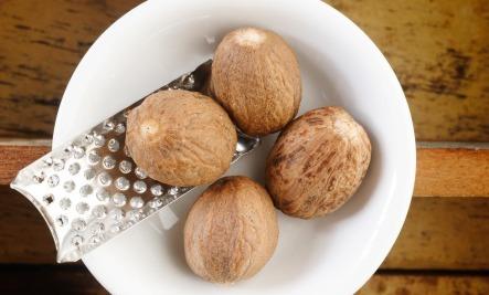 8 Amazing Health Benefits of Nutmeg