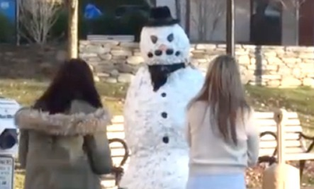Freaky, Frosty's Evil Twin Scares Christmas Shoppers | Care2 Healthy