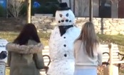Freaky the Snowman Pranks Holiday Shoppers (Video)