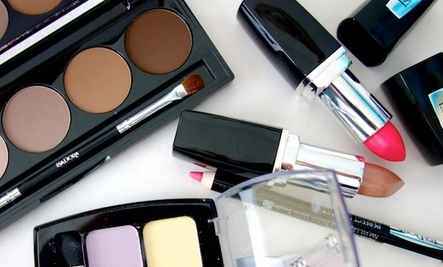 20 Toxic Ingredients in Makeup & Body Care Products
