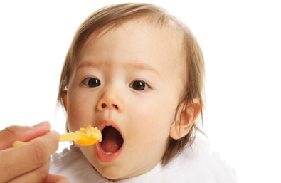 Feeding Baby: Transitioning to Solids