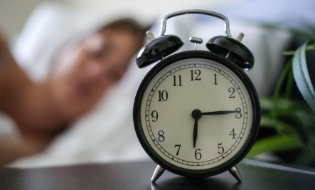 One Thing You Should Avoid Doing an Hour Before Bedtime