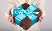 The Science Behind Gift-Giving (Infographic)