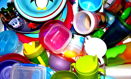 How to Handle the Overload of Plastic in Your Kitchen