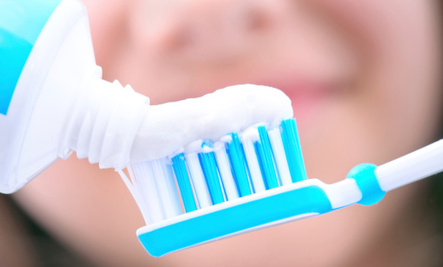 15 Other Ways to Use Toothpaste