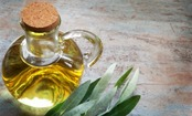 5 Amazing Ways to Use Oil in Your Beauty Routine