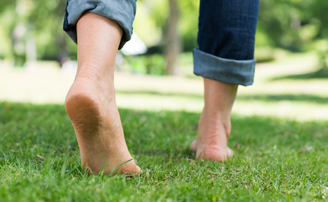 5 Reasons To Walk Barefoot This Spring