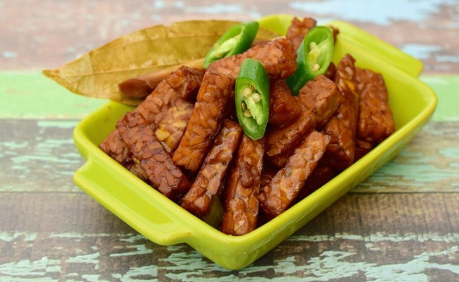 12 easy and delicious tempeh recipes care2 healthy living 12 easy and delicious tempeh recipes forumfinder Image collections