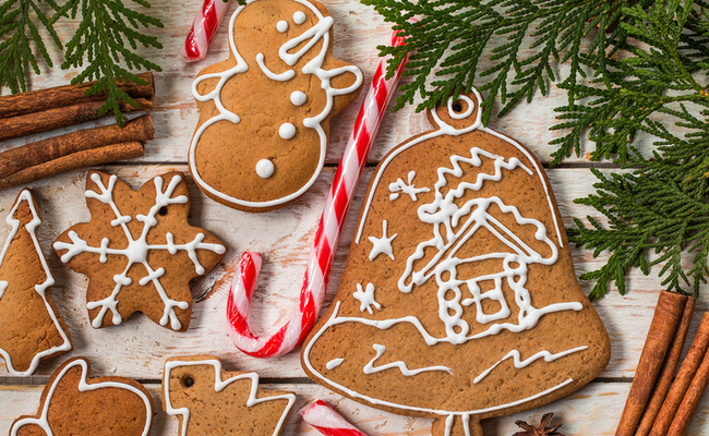 How to Decorate Your Tree with a Gingerbread Theme - How To Decorate Your Tree With A Gingerbread Theme Care2 Healthy