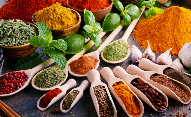 Potent Health Benefits of 15 Common Herbs and Spices