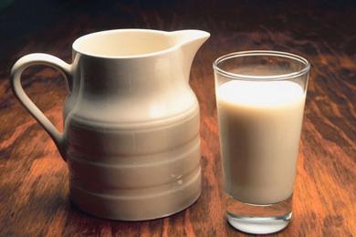 Milk: Kitchen Cupboard Beauty Tips | Care2 Healthy Living