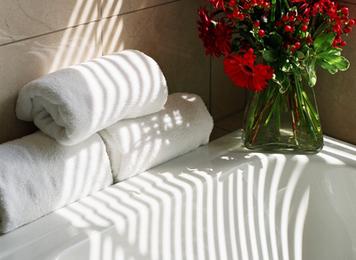 Soft Scrubber with Aromatherapy Attitude: Bathtub How-To