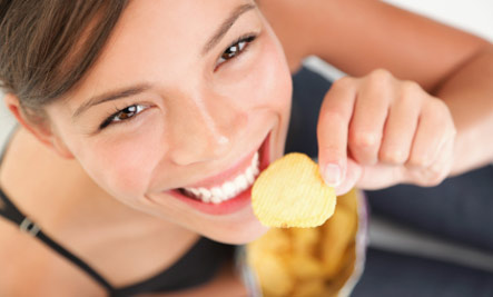 http://dingo.care2.com/pictures/greenliving/uploads/2011/02/potatochips.jpg