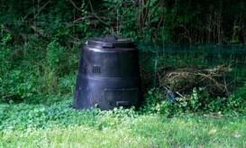 compost-can-backyard
