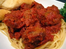 Macaroni-Grill-Spaghetti-and-Meatballs-with-Meat-Sauce