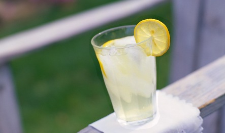 lemon water  aka lemonaid