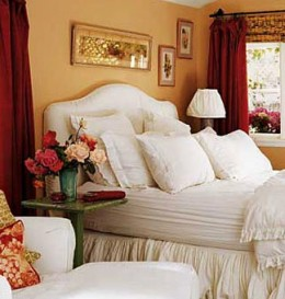Spice up the Bedroom with fresh flowers - Romantic-Bedroom