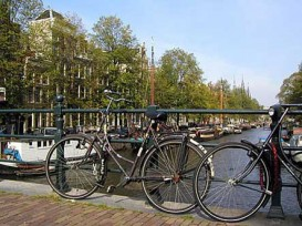 amsterdam-bikes-canal-443