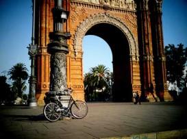 barcelona-bike-arcdetriomf
