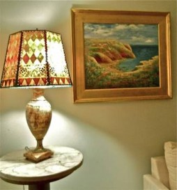 R table, lamp  and picture
