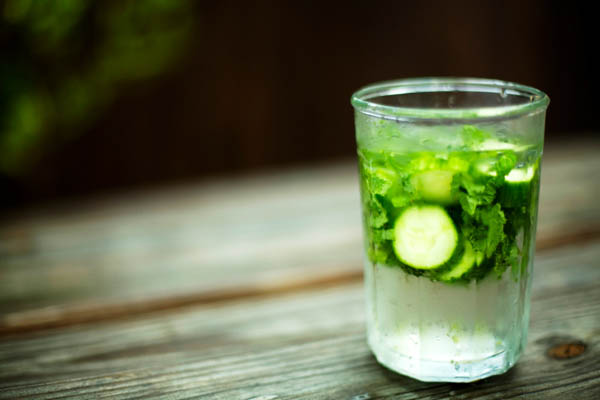 cucumber mint water mocktail