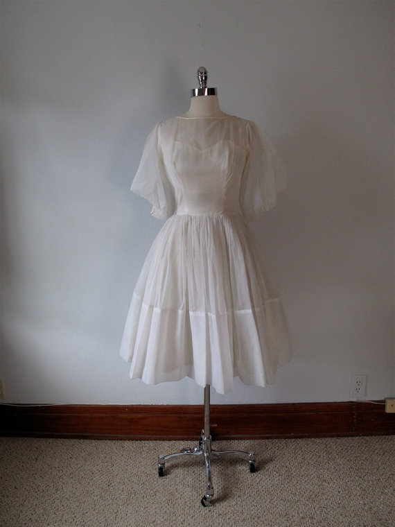 11 Vintage Summer Wedding Dresses