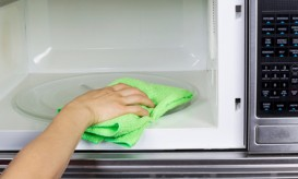 cleaningmicrowave