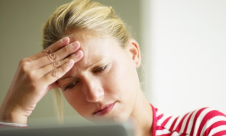 15 Common Causes and Symptoms of Iron Deficiency:  headaches
