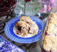 green diva meg's berry crumble