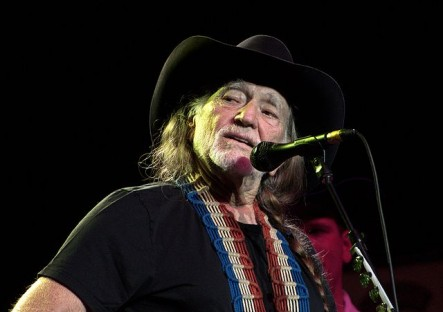 willie nelson animal activist